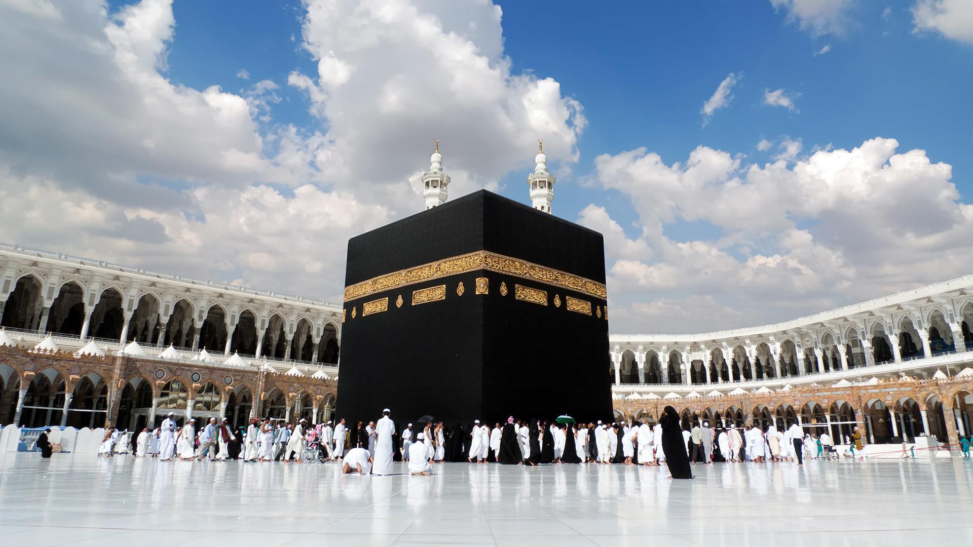 Саудовская Аравия дает разрешение на поэтапное открытие Умры.